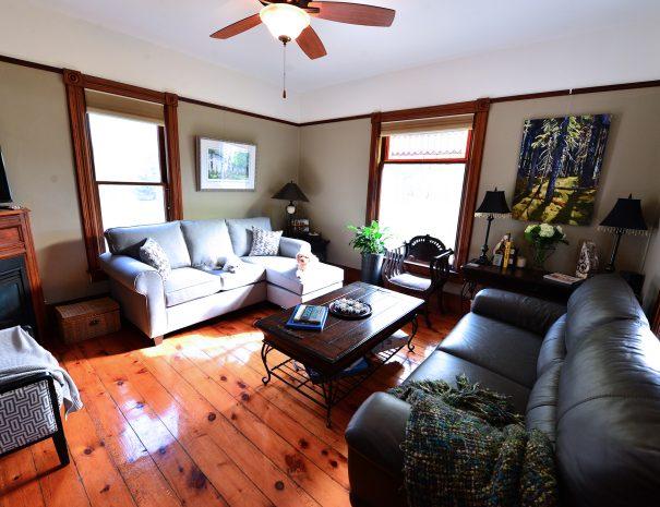 WalnutGrove-Livingroom